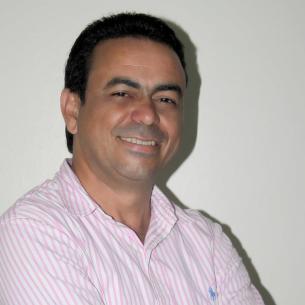 Image result for diputado carlos garcia de moca