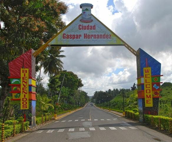 thumbnail_Entrada al municipio de Gaspar Hernandez%2c unico municipio costero de la provincia Espaillat..jpg