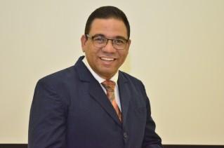 Lic. Carlos Arroyo Ramos.jpg